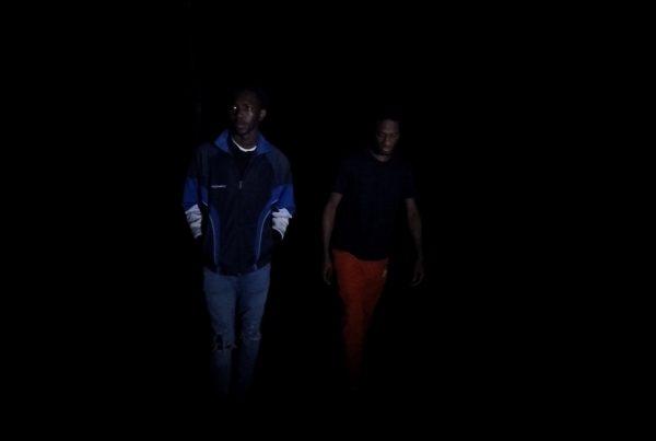 A l'entrée de La nuit